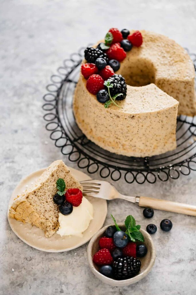 Hojicha flavoured Chiffon cake topped with berries and mascarpone