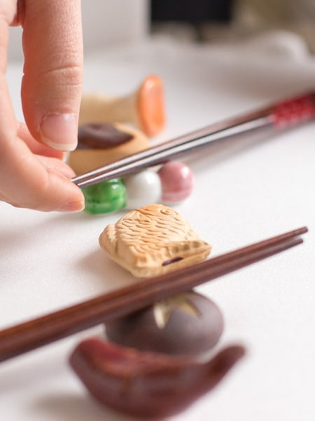 How To Use Chopsticks- Chopstick Holders