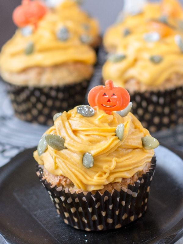 "Halloween Muffins with Japanese Pumpkin ""Mont Blanc"""