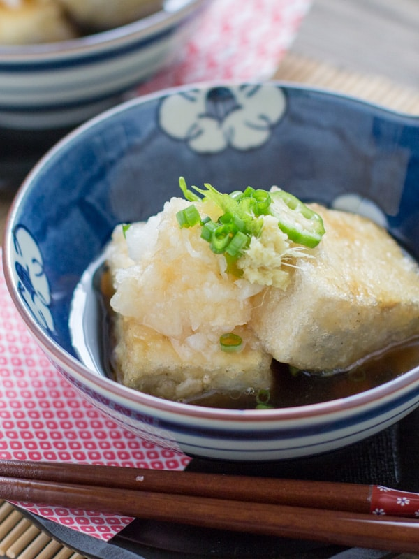 Agedashi tofu chopstick chronicles this dish is usually served in japanese restaurants as an appetizer but i think it would be good as a main meal too for people who dont like to eat big forumfinder Image collections