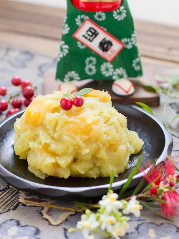 Kuri Kinton - Sweetened Chestnuts & Pureed Sweet Potato