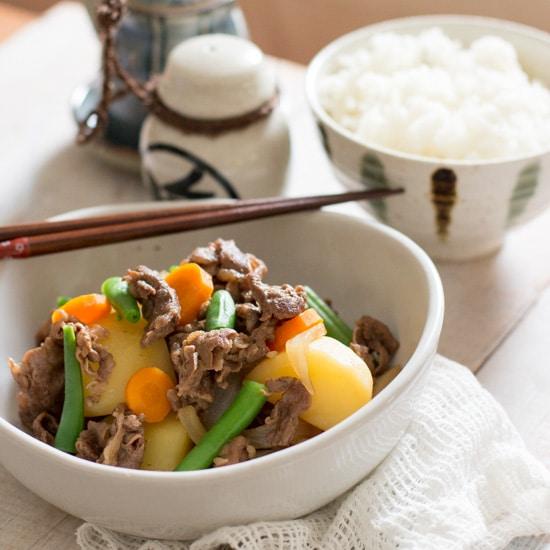 Nikujaga – Japanese Beef and Potatoes 肉じゃが
