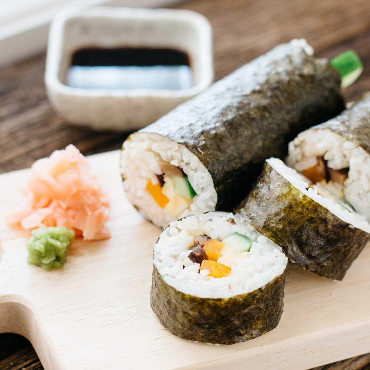 Classic Sushi Rolls (Makizushi) 巻き寿司