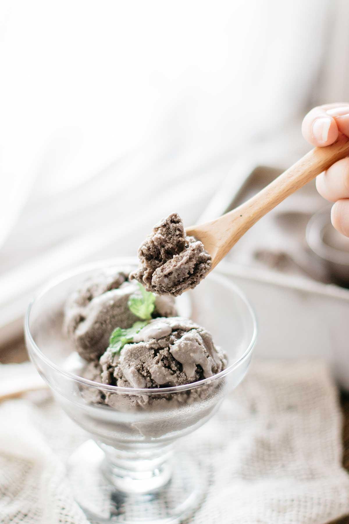 Black-Sesame-Ice-cream