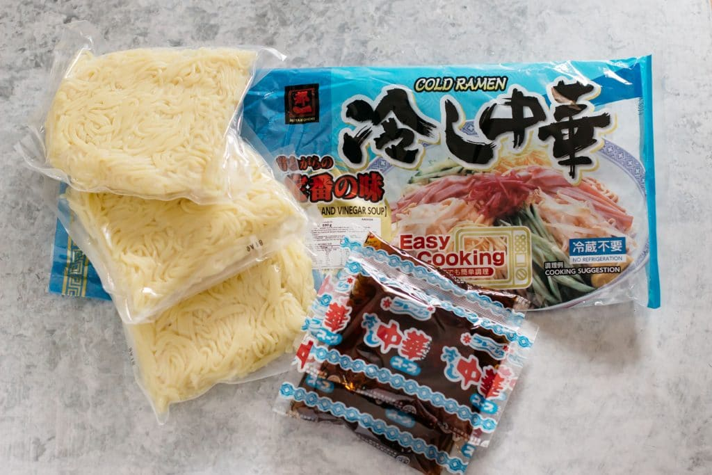 Japanese cold ramen noodle packets consists of three noodle packets and sauce