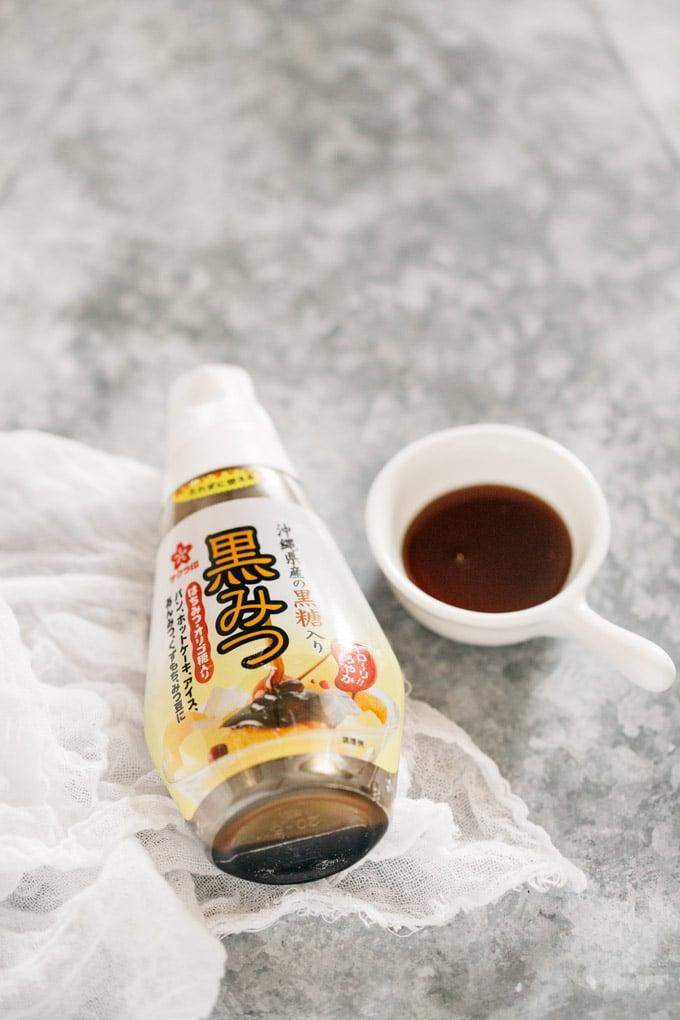 raindrop cake ingredients- kuromitsu brown sugar syrup