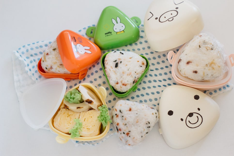 two types of Onigiri storage containers