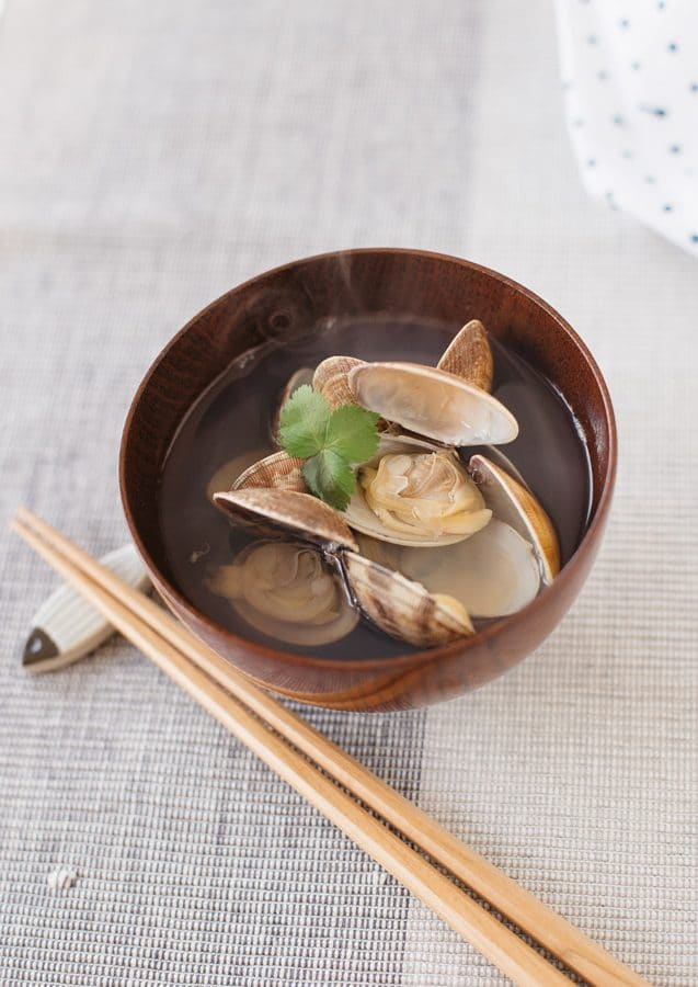 Japanese Clear Soup (Asari no suimono)
