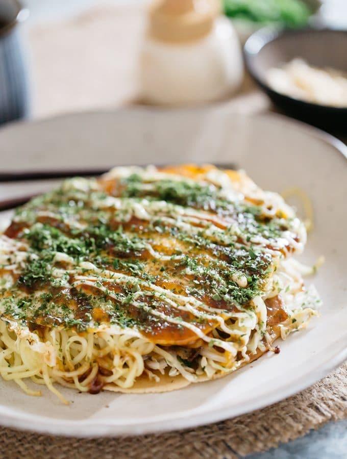 Hiroshima Okonomiyaki – how to flip it all together?