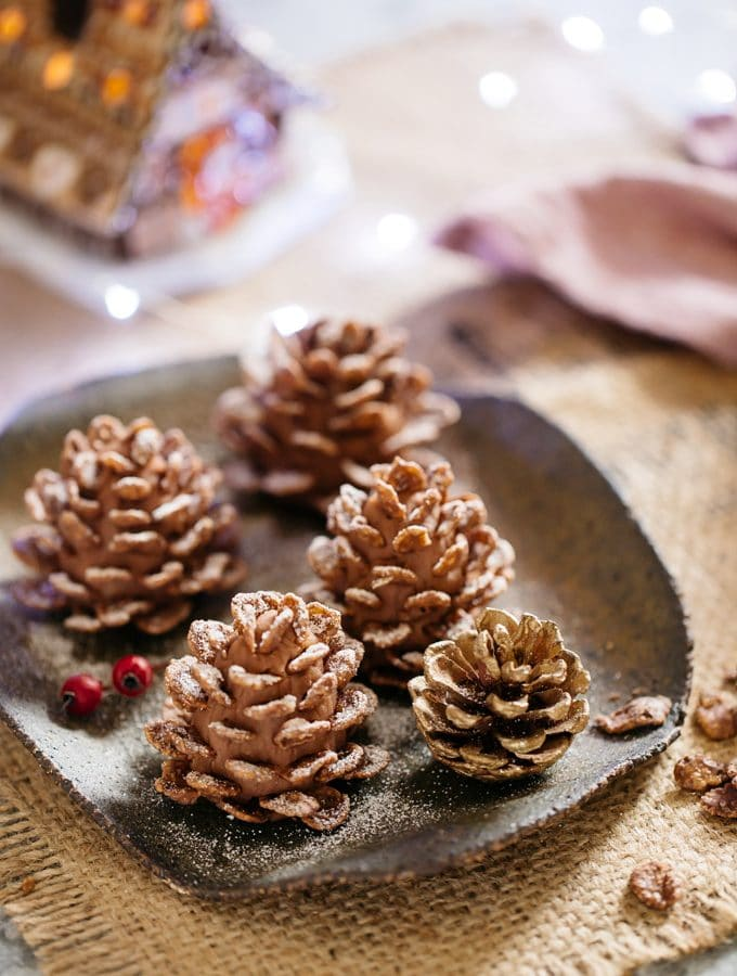 Christmas Sweets : Edible Pine Cones