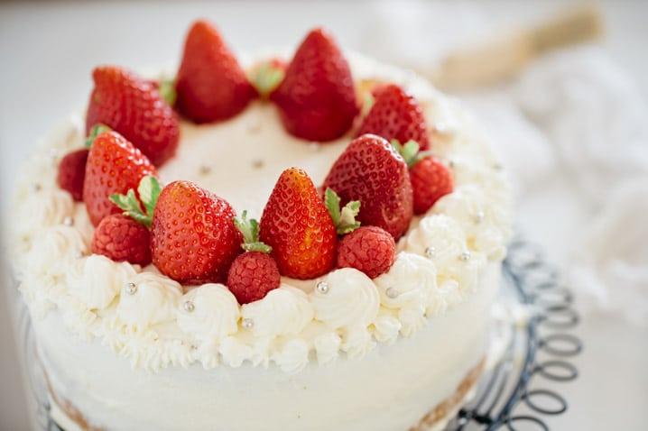 Brilliant Strawberry Shortcake Cake Japanese Version Chopstick Chronicles Funny Birthday Cards Online Aboleapandamsfinfo