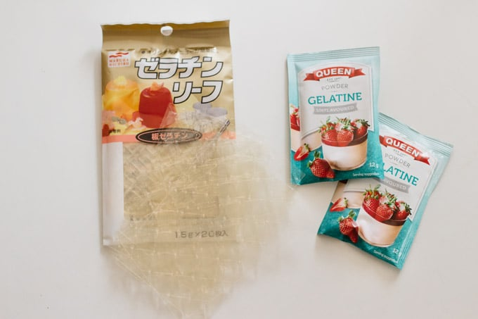 gelatine sheets on the left with a package and powder gelatine sachets on the right