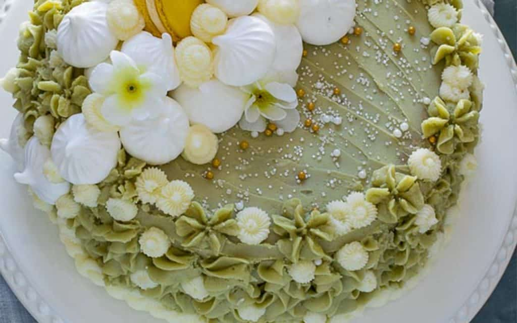 matcha vanilla cake from the top view